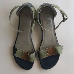 Clarks Leather Sandals Size 38 or 8